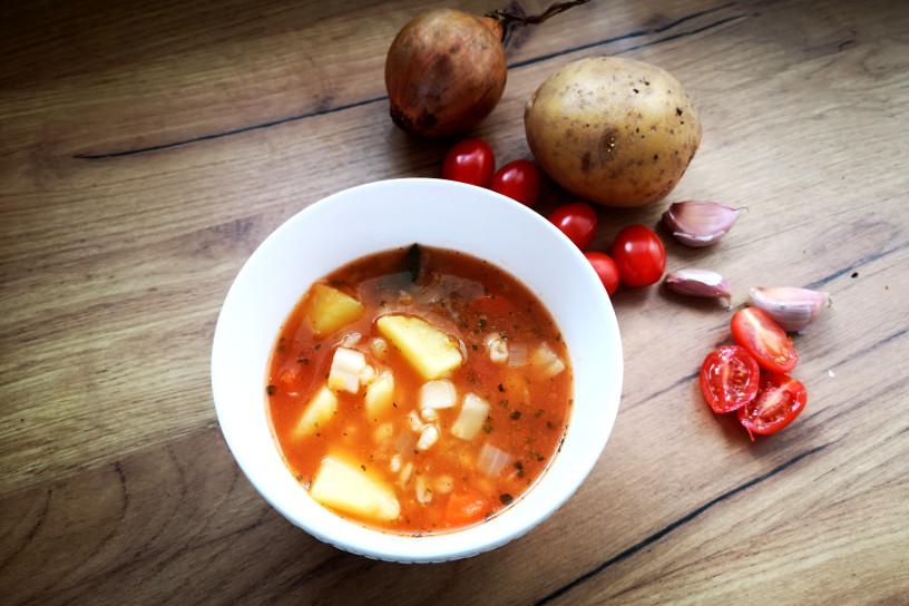 zupa z czerwonej soczewicy szkoła