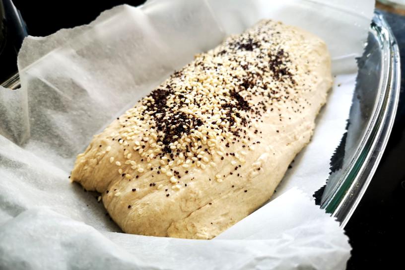 jak upiec chleb na zakwasie sezam