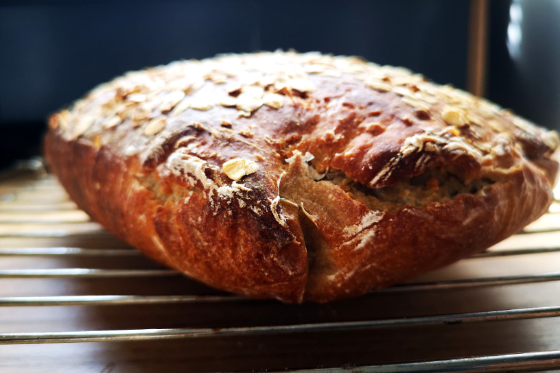 jak upiec chleb na zakwasie bez zakalca